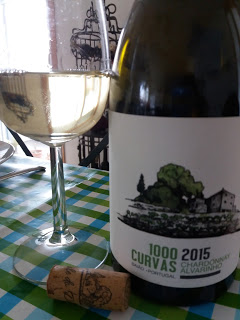 1000 Curvas 2015 Chardonnay & Alvarinho